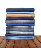 Pile de mensonge de jeans photographie stock libre de droits