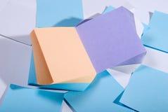 Pile de notes collantes colorées Images libres de droits