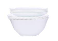 Pile de nouveaux plats blancs propres images libres de droits