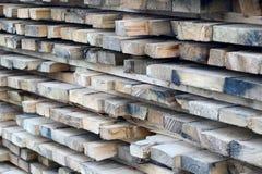 Pile de panneaux en bois photo Image libre de droits