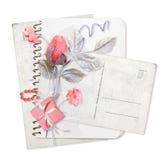 Pile de papier avec des fleurs Photo stock