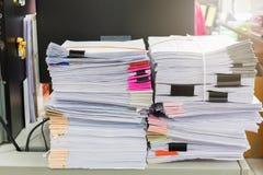Pile de papiers d'affaires Images stock