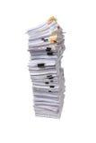 Pile de papiers d'affaires d'isolement Photo stock