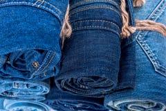 Pile de petit pain de jeans de denim Photos stock