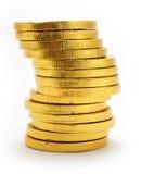 Pile de pièces de monnaie de chocolat colorées par or Photos stock