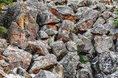 Pile de pierre de roches en montagnes Photographie stock libre de droits