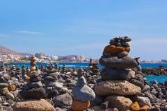 Pile de pierres sur la plage Photos libres de droits