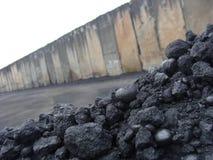 Pile de pile de charbon de bois Images stock