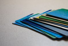 Pile de plan rapproché de cartes de crédit