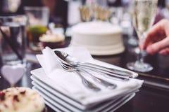 Pile de plats et de cuillères Image stock