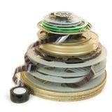 Pile de plusieurs types de bobines de pellicule cinématographique photographie stock