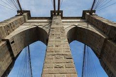 Pile de pont de Brooklyn Images stock