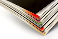 Pile de revues de couleur Photographie stock libre de droits