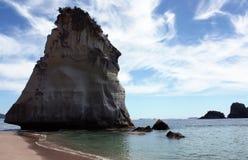 Pile de roche sur le ciel fantastique Photo stock