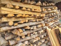 Pile de rondins de bois de charpente Image stock