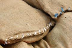 Pile de sacs de toile de jute Photo libre de droits