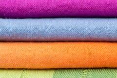Pile de tissu de coton coloré Images stock