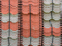 Pile de tuile de toit de terre cuite Photos stock