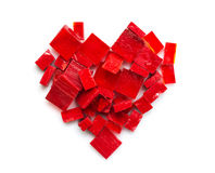 Pile de tuiles de mosaïque en verre rouges sous forme de coeur Images libres de droits