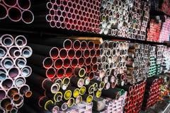 Pile de tuyaux de fer Photographie stock libre de droits