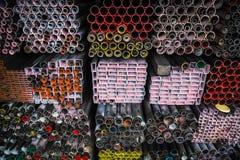 Pile de tuyaux de fer Images libres de droits