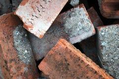 Pile de vieilles briques rouges Image libre de droits
