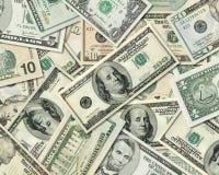 Pile des billets de banque du dollar des Etats-Unis d'Amérique Photographie stock libre de droits