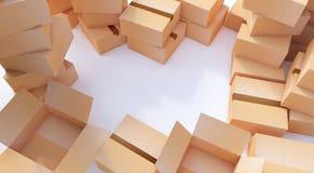 Pile des boîtes en carton d'isolement sur le blanc Photo libre de droits
