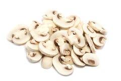 Pile des champignons de couche coupés en tranches plus proches Photographie stock libre de droits