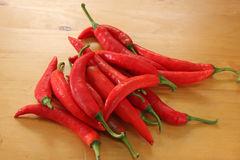 Pile des chillis Photos stock