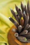 Pile des crayons en bois de couleur Images libres de droits