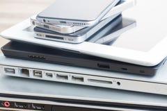 Pile des dispositifs photos stock