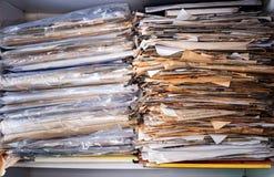 Pile des documents Photos stock