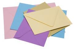 Pile des enveloppes lumineuses photographie stock libre de droits