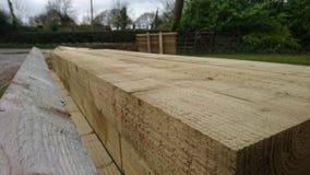 Pile des faisceaux en bois de bois de construction Photographie stock libre de droits