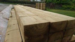 Pile des faisceaux en bois 3 de bois de construction Images libres de droits