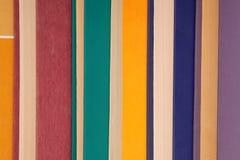 Pile des livres multicolores, groupe de livres multicolores, tas o Photo libre de droits