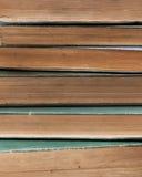 Pile des livres très vieux Photos stock
