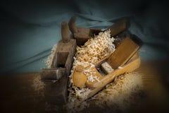 Pile des outils de bricolage de sciure et d'avion Photographie stock