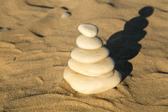 Pile des pierres à la plage Image libre de droits