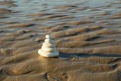 Pile des pierres à la plage Photo libre de droits