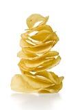 Pile des pommes chips image stock