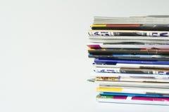 Pile des revues Images stock