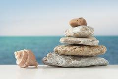 Pile des roches et de l'interpréteur de commandes interactif Photographie stock libre de droits
