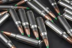 Pile des ronds ballistiques de fusil d'astuce Images libres de droits