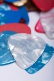 Pile des sélections en plastique colorées de guitare Photo libre de droits