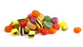 Pile des sucreries multicolores Photo libre de droits