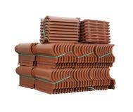 Pile des tuiles de toiture emballées. image libre de droits