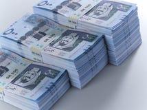 Pile di banconote saudite del riyal di 500 con l'immagine di re Abdula Immagine Stock Libera da Diritti