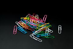 Pile of different color paper clip Royalty Free Stock Images
